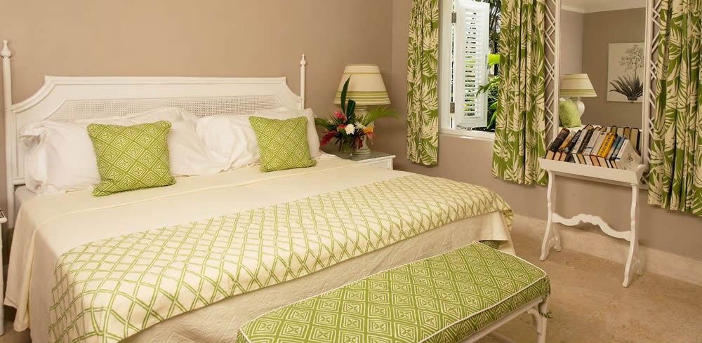 China Seas Lyford Diamond Bamboo bedding with Fiorentina bench and pillows and Martinique Reverse curtains