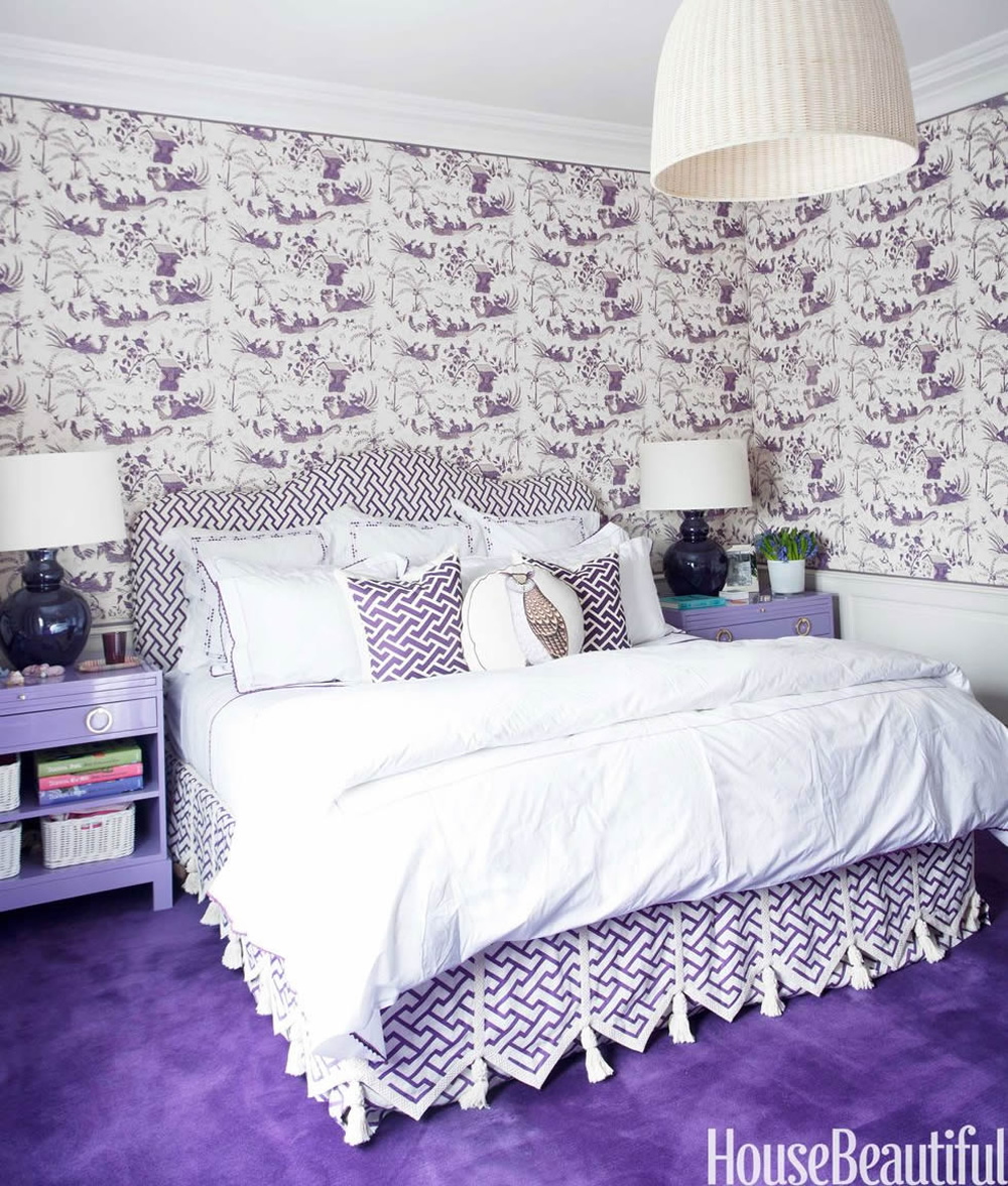 China Seas Tableau wallpaper with Aga bed and Aga Reverse pillows